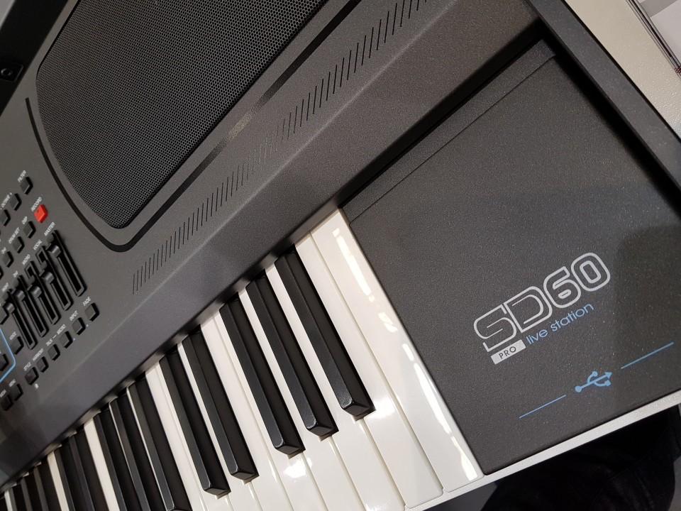 Ketron SD60 Pro Live Station