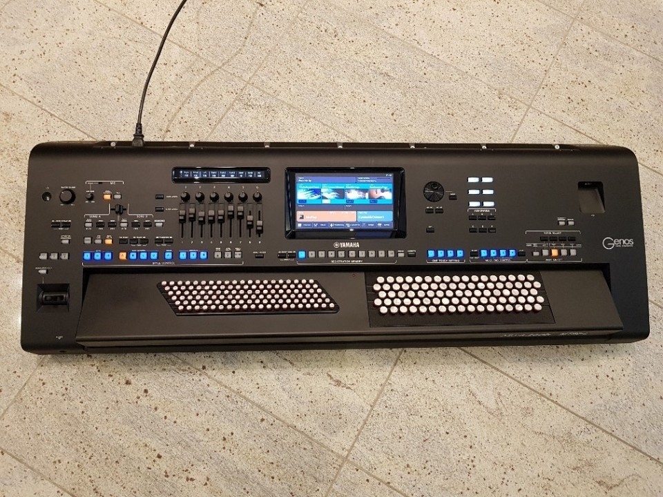 Yamaha Genos 2.0 Chromatic accordeon keyboard