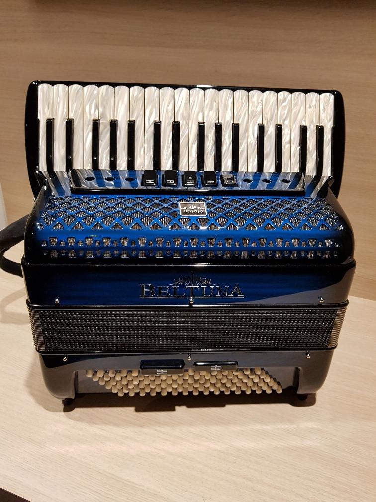 Beltuna Studio III 34/96M Luxe Pro shadow colour blue accordeon Demo