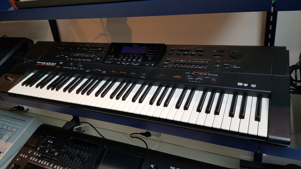 Roland G-1000 occasion professional keyboard