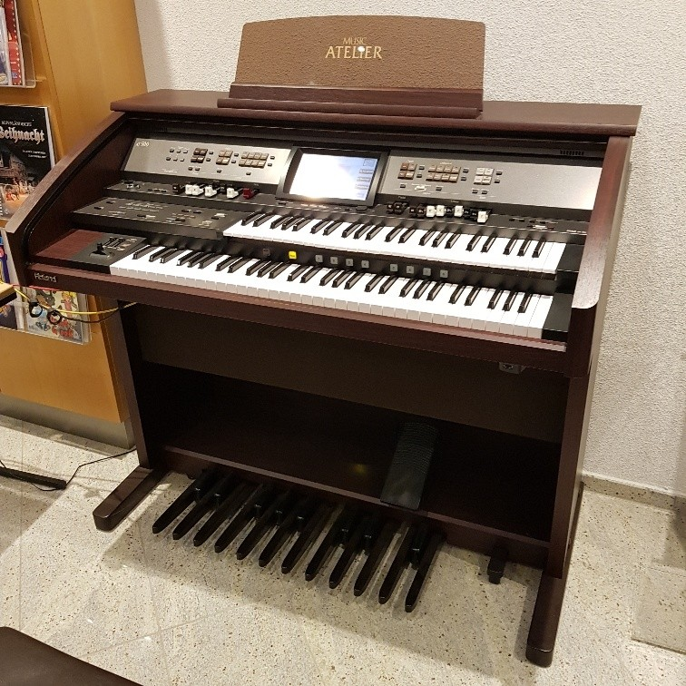 Roland AT-500 Atelier orgel occasion