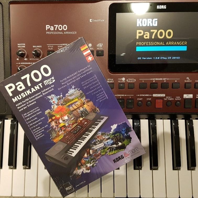 Korg Pa700 Musikant Professional Arranger Keyboard + Micro-SD
