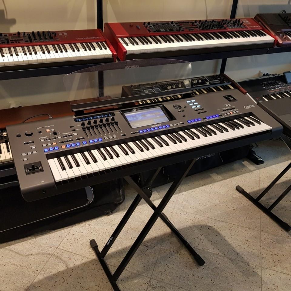 Yamaha Genos Version 2.0 Workstation Keyboard