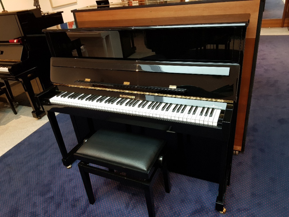W. Hoffmann T-122 Tradition piano occasion