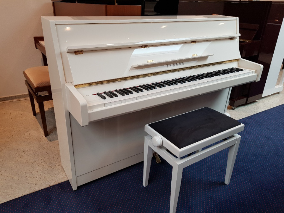 Yamaha b1 piano wit hoogglans occasion