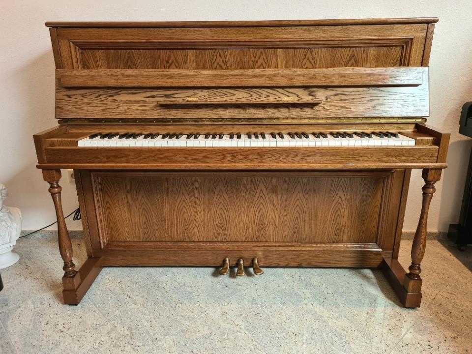 Yamaha P2GR occasion piano eiken German Rustikal 114 cm