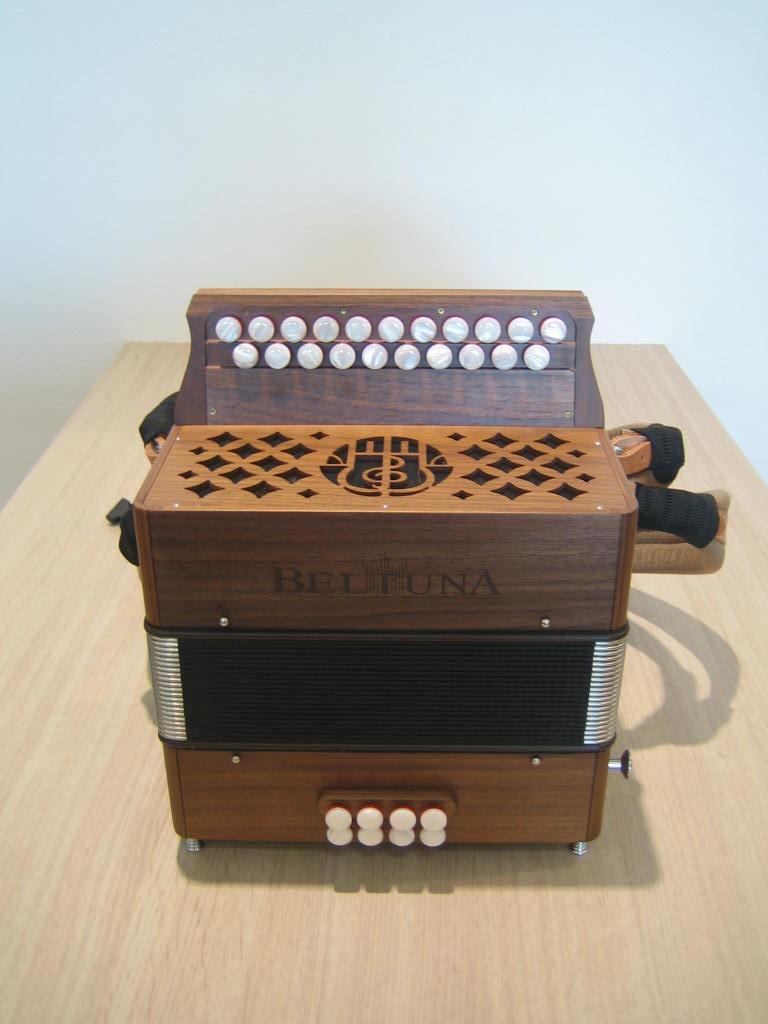 Beltuna Sara 2 diatonische harmonica (trekzak) demo