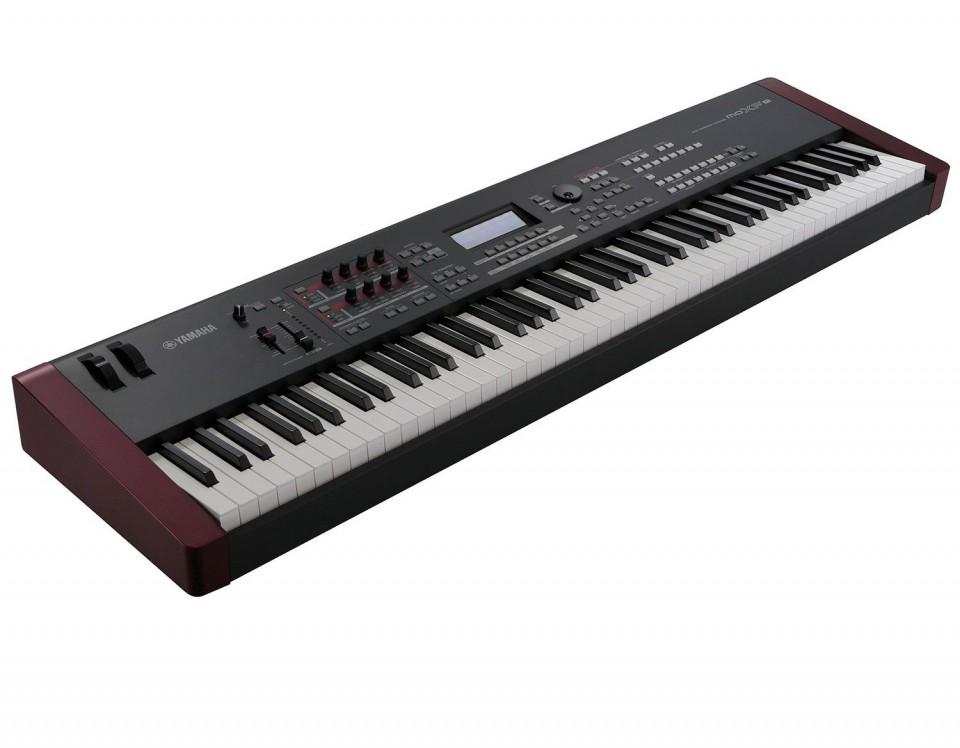 Yamaha MOXF8 synthesizer occasion