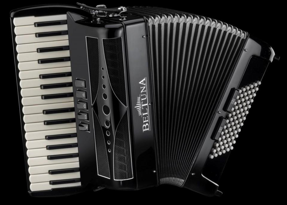 Beltuna Play III M Luxe Nero accordeon