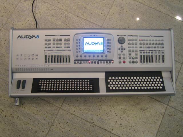 Ketron Audya8 Belgische/Rechte Bassen