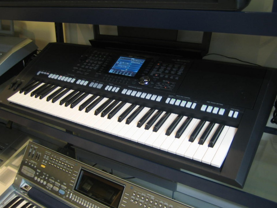 Yamaha PSR-S950 occasion