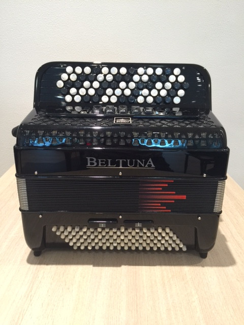 Beltuna Studio III 96 K BR B-Griff accordeon Black Matt