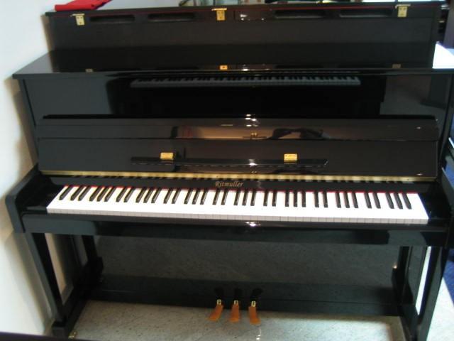 Ritmüller zwart hoogglans met 3 pedalen