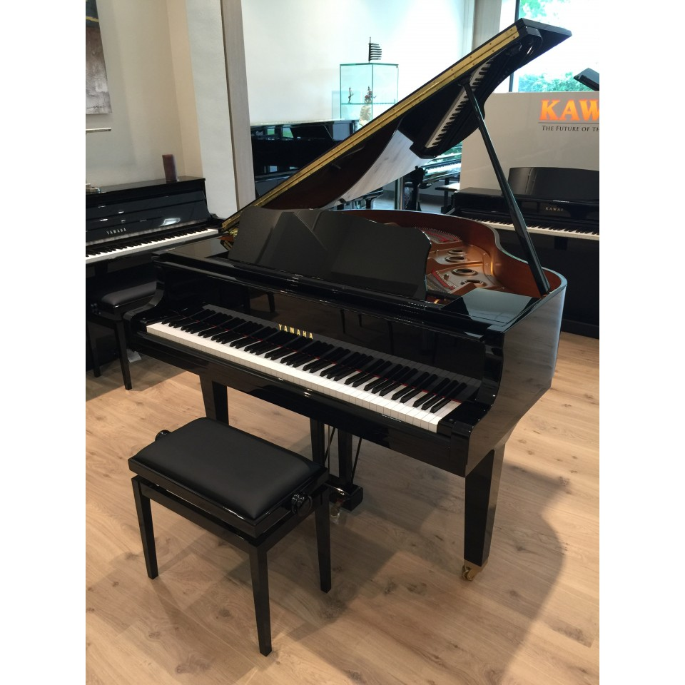 Yamaha GB1 PE zwart hoogglans Demo/Showroom-model
