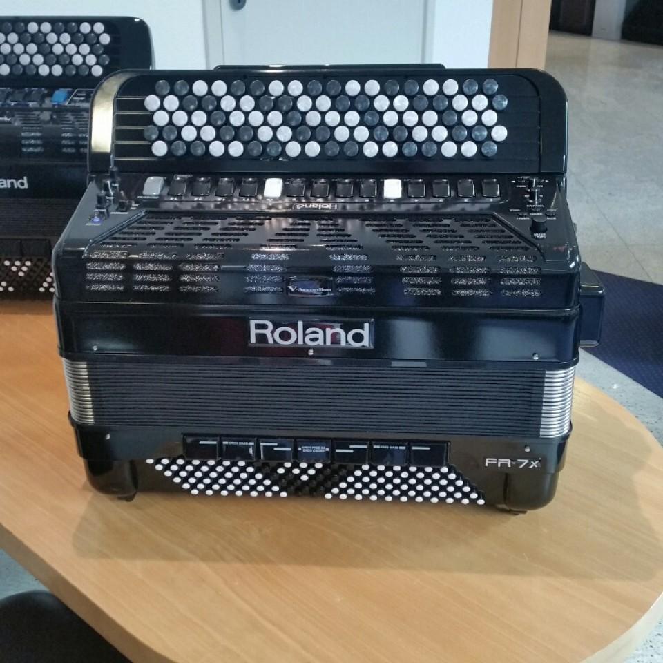 Roland FR-7XB BK occasion knopacccordeon FR7XB
