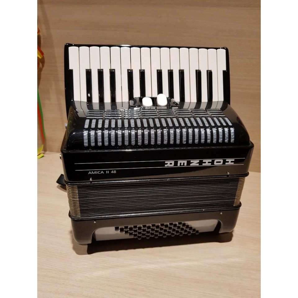 Hohner Amica II 48 occasion slechts 5,1 kg