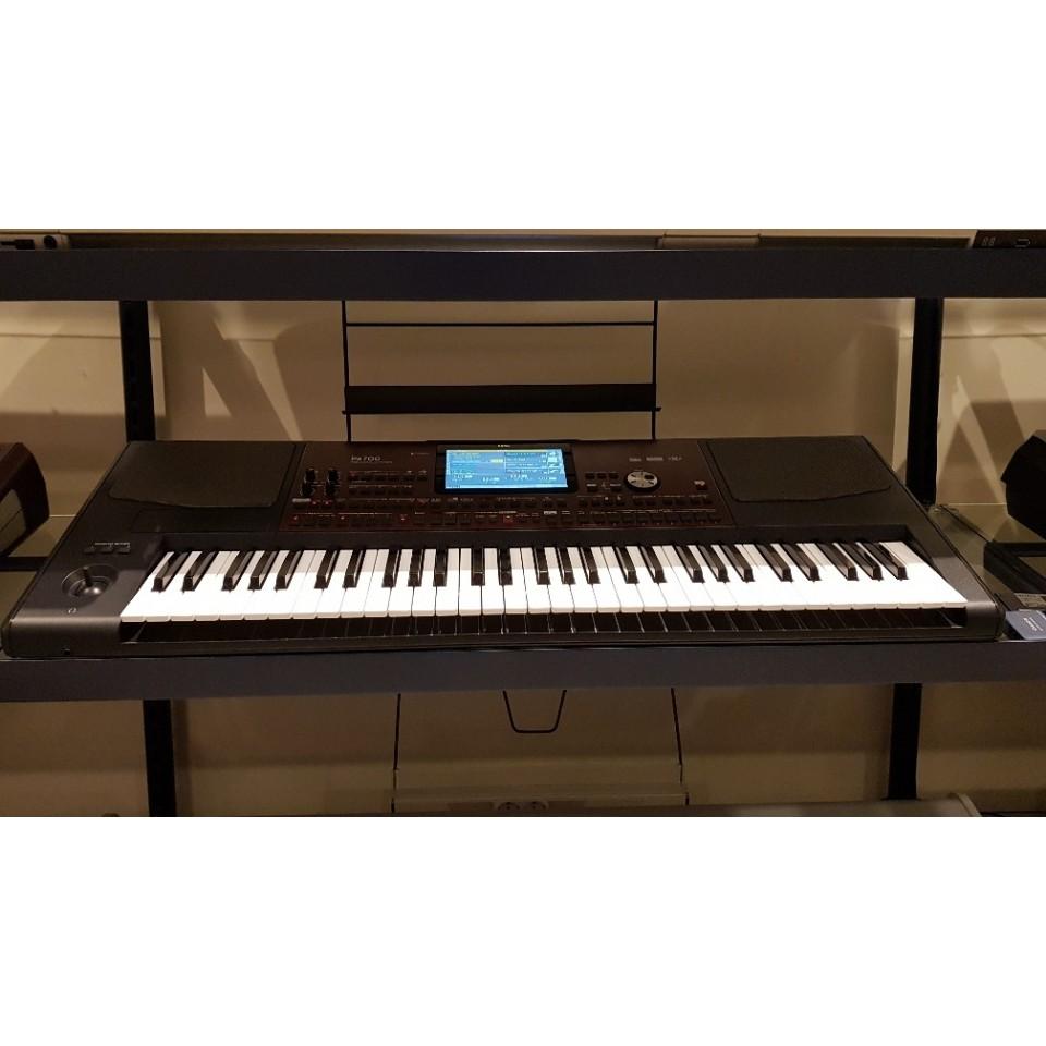 Korg Pa700 Occasion  Professional Arranger Keyboard