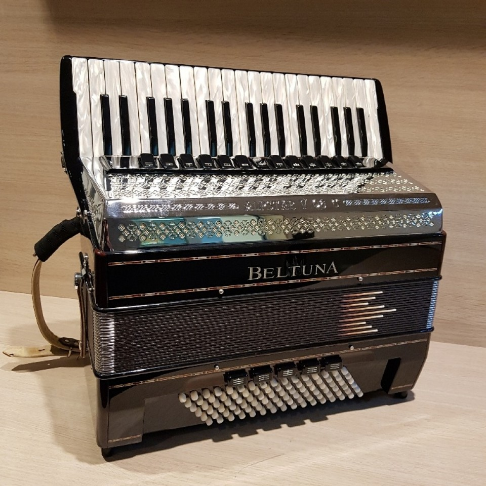 Beltuna Alpstar V 96 CM Hel/Reg Black occasion accordeon