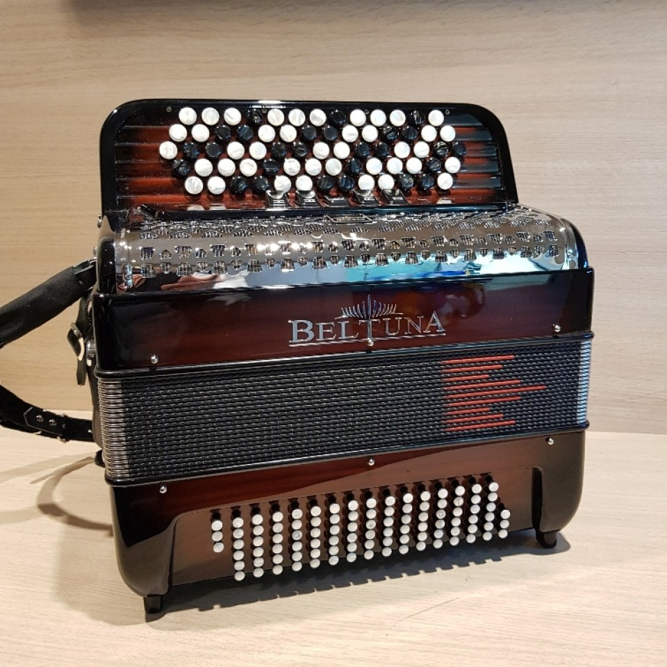 Beltuna Studio III 96 K M Hel Harmonicordeon B-Griff Belgisch bas accordeon