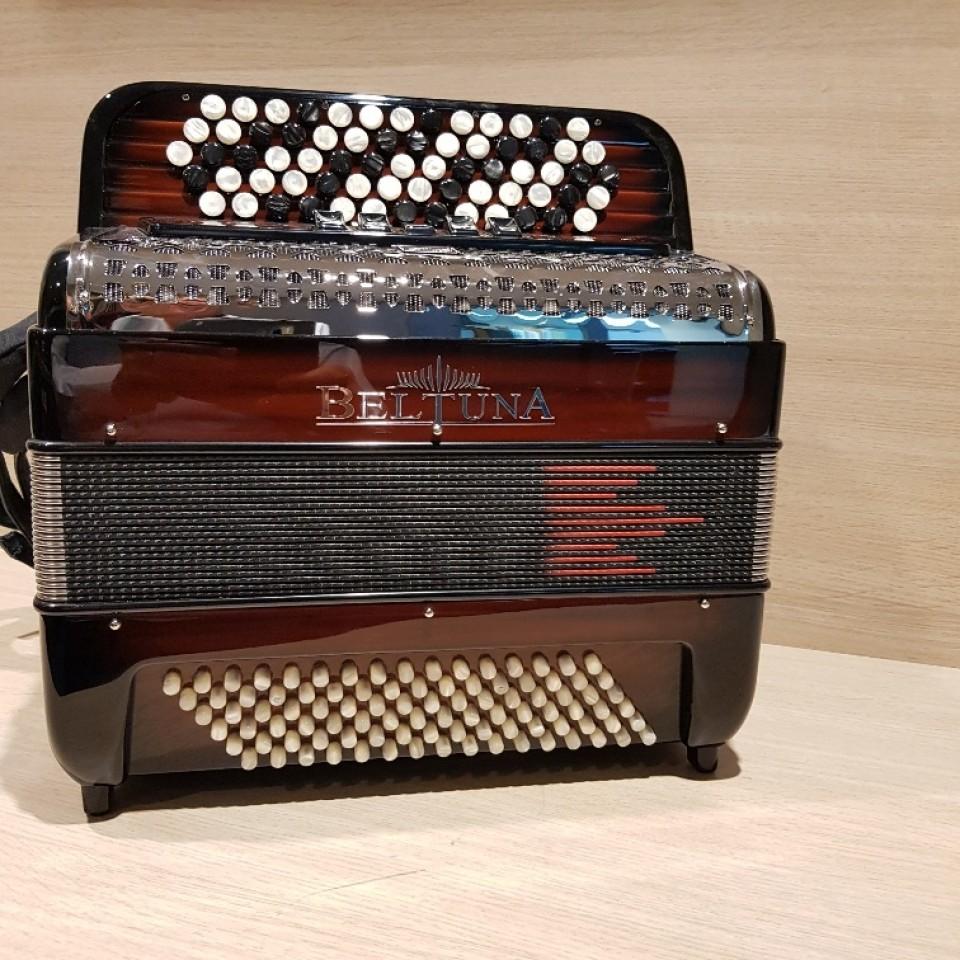 Beltuna Studio III 96 K M Hel Harmonicordeon B-Griff