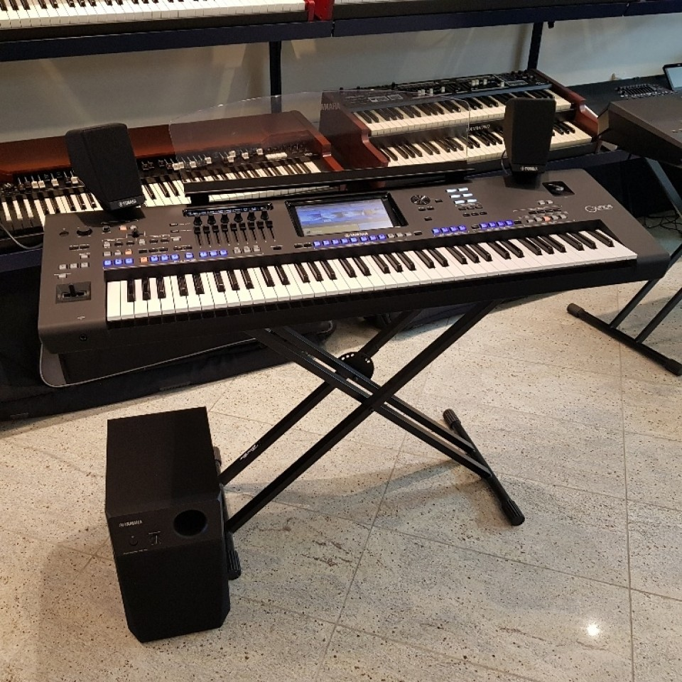 Yamaha Genos XL Version 2.0 Workstation Keyboard demo