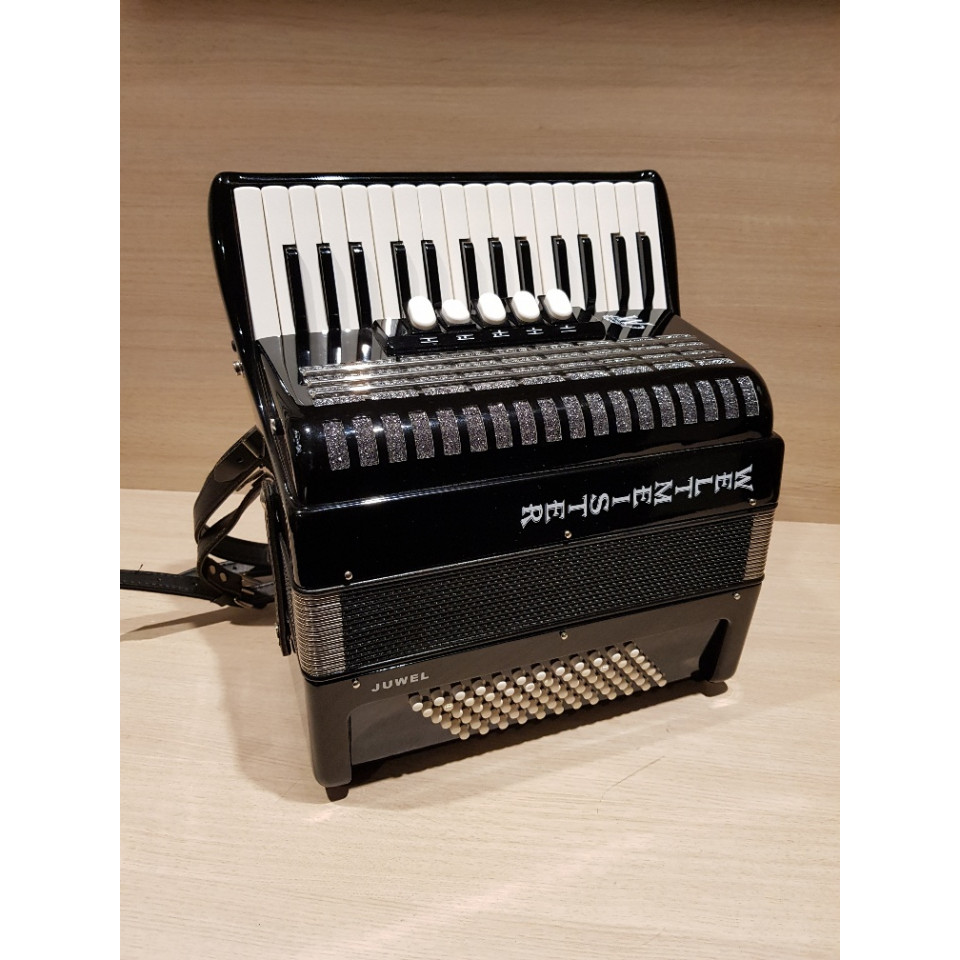 Weltmeister Juwel 30/72 3-korig occasion accordeon