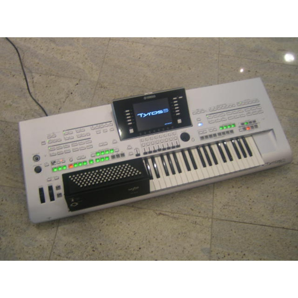 Yamaha Tyros3 Accordeon 96bas