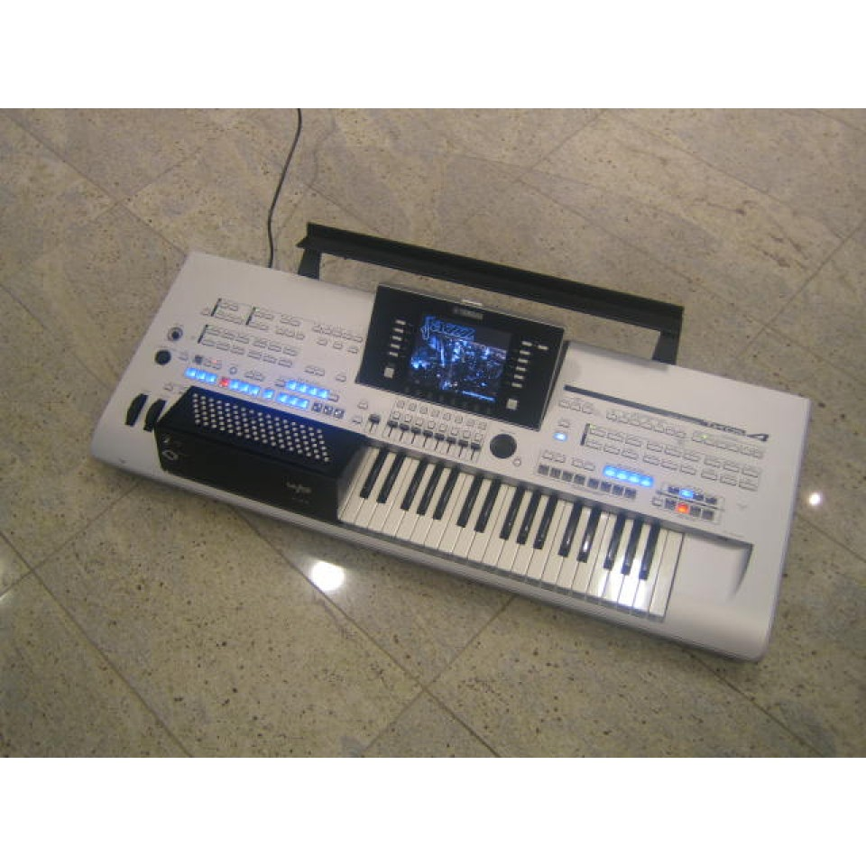 Yamaha Tyros4 Accordeon 96bas