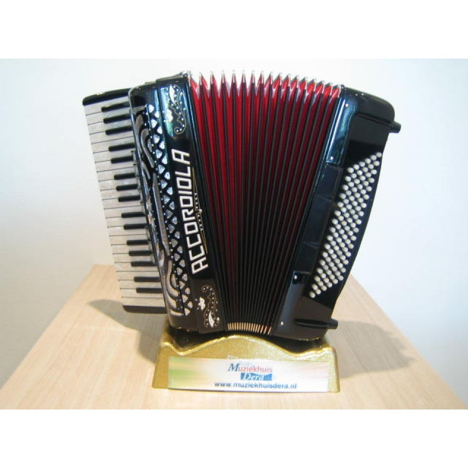 Accordiola Super Carmen 37/96 parelmoer toetsen