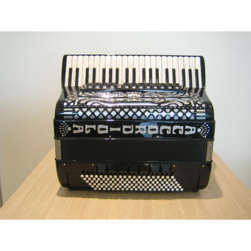 Accordiola Piano V Star, 16 + 4 cassotto uniek