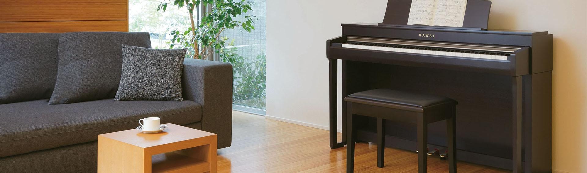 Huur een piano. afbeelding van piano in woonkamer