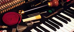 Stemmen en reparatie van pianos